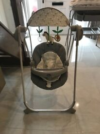 Baby remote control swinging chair