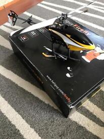 4 channel fixed pitch Trainer RC Helicopter excellent condition includes 5 rechargeable batteries