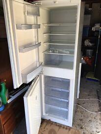 Neff integrated fridge freezer 50/50