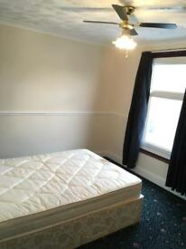 3-6 month short term 4 bed rooms to let
