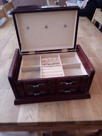 Jewellery wooden box