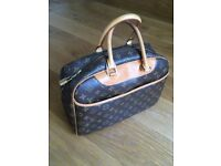 Second hand Authentic Louis Vuitton Handbag in excellent condition