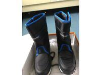 Campri Snow Boots Junior Size 5/38 Black/Blue - ***BRAND NEW***