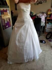 Brand new 8,-10wedding dress