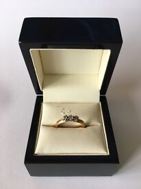 22ct Fully Hallmarked 17 Point Trilogy Yellow Gold Diamond Engagement Ring Size - N 4.09g
