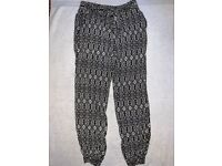 Girls Casual Black Print Trousers Age 8-9 Years IP1