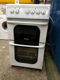Hotpoint ceramic top electric cooker in excellent condition