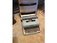 Olivetti letteria 32 typewriter