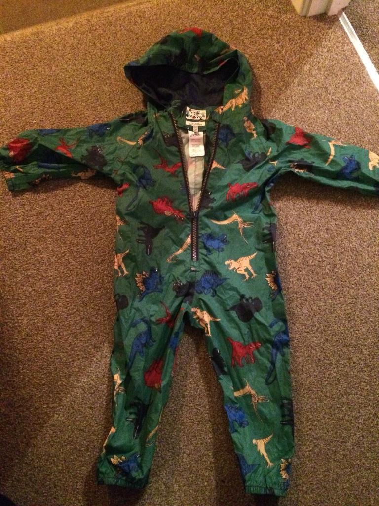 Puddle suit/ rain suit