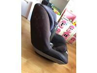 Pearl maxi cosi car seat with family base