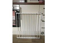 Extendable Safety Gate
