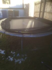 10 ft trampoline with safety net 8 months old excellent condition