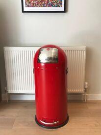 Red design kitchen (50L) from iconic Hailo brand (model 0850-579 KickMaxx)