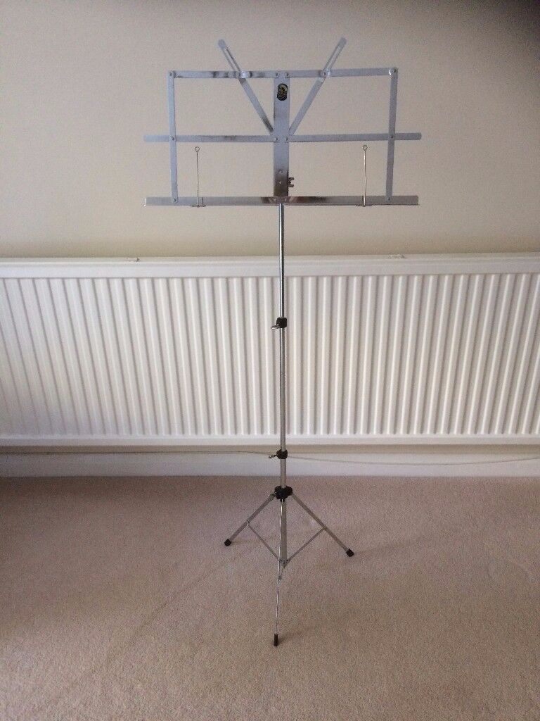 Fully adjustable Stentor music stand with case