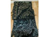 Beautiful scarf in good condition
