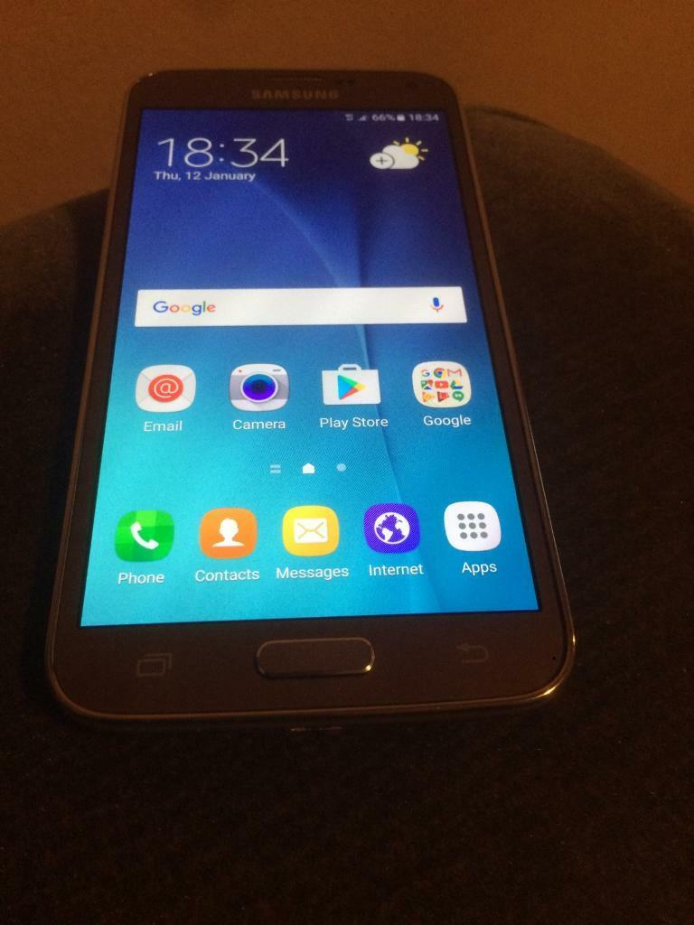 Galaxy s5 neo gold unlockedin Plaistow, LondonGumtree - Galaxy s5 neo unlocked used in mint condition with charger and earphone no box