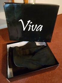 Womens over the knee black suede boots, £40 ovno BRAND NEW, NEVER WORN in box size 6