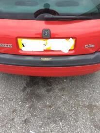 Clio 2000 spares or repair