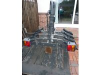 Tow bar mounted bicycle rack