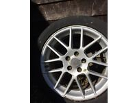 Alloyswheel 17 inches, comes with four part worn tyres