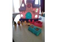 Fisher Price Little People Princess Castle and Carriage
