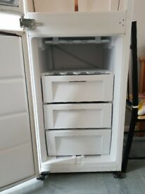 Fridge freezer good working order clean condition 25 pounds or ono collection only