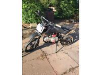 Stomp 125 Pit bike