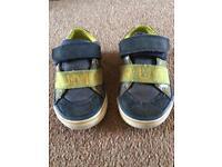 Boys clarks shoes infant 4.5 G