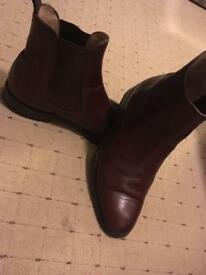Loakes brown size 7