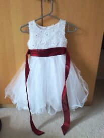 Gorgeous Flower Girl / Princess Dress, Approximately age 5-7 years, up to 130cm, very good condition