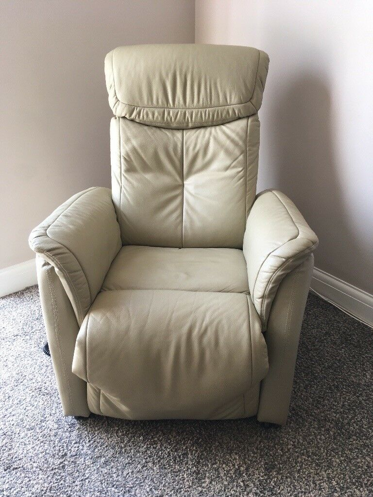 Phenomenal Leather Electric Reclining Tilt And Rise Chair In Norwich Norfolk Gumtree Creativecarmelina Interior Chair Design Creativecarmelinacom