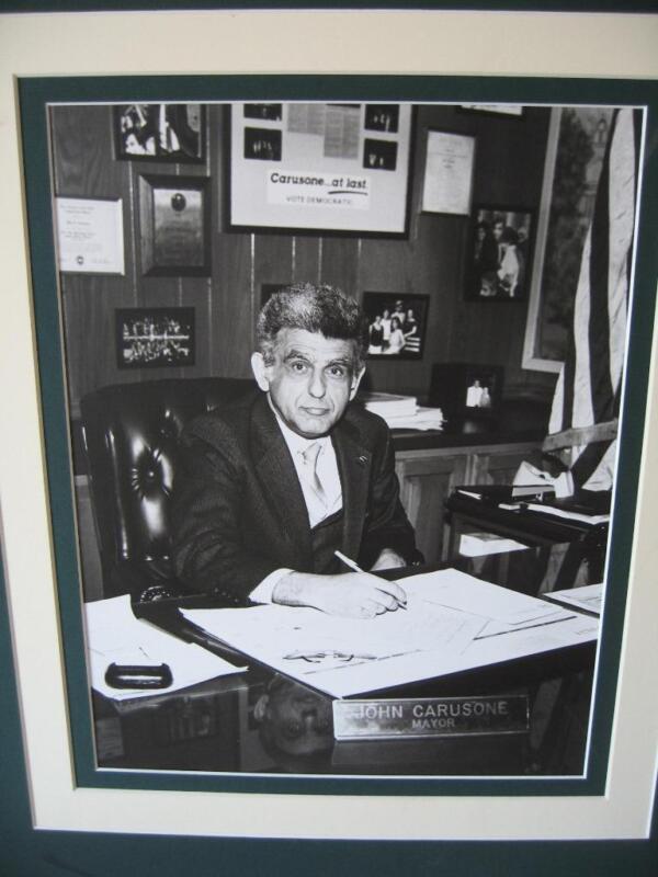 HAMDEN CONNECTICUT MAYOR PHOTO, JOHN CARUSONE (1987-1991)