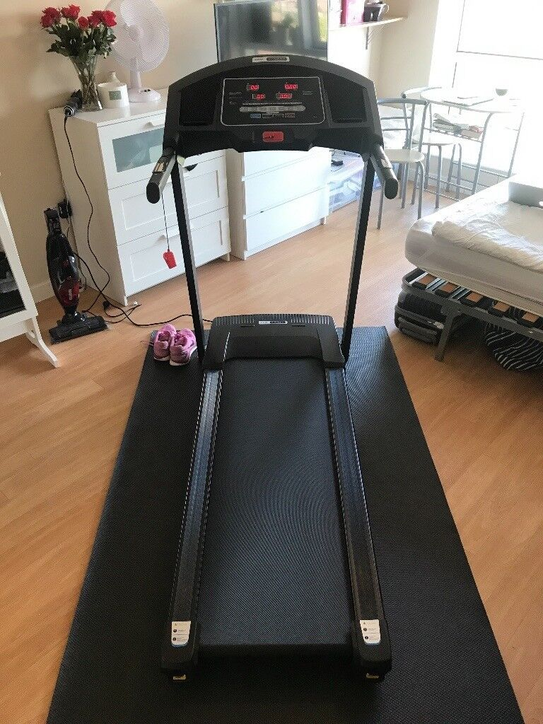 Treadmill with speakers - new June 2017
