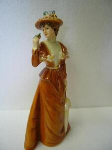 """THE VISITOR"" GOEBEL VINTAGE FIGURINE"