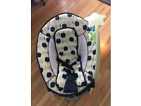 Hauck vibrating musical baby bouncer