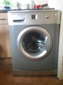 Washing Machine Silver 1600 spin 6kg load very good condition