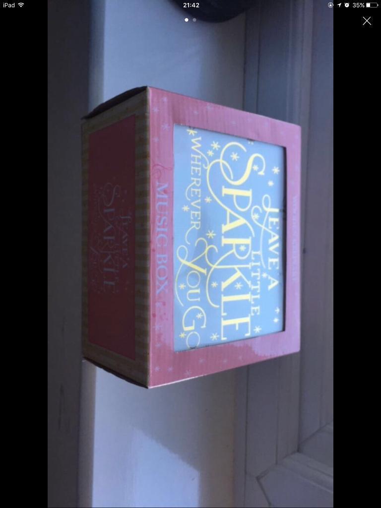 BRAND NEW IN BOX GORGEOUS MUSIC BOX