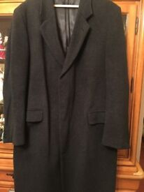 Men's wool and cashmere coat size 42 in very good condition