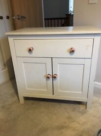 Annie Sloan painted bedroom cabinet