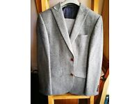 Beautiful Grey Wool Suit - 38R - 32w - 29l
