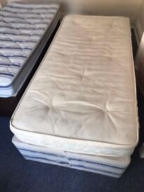 2 x Single Divan Beds with mattresses in Good Condition