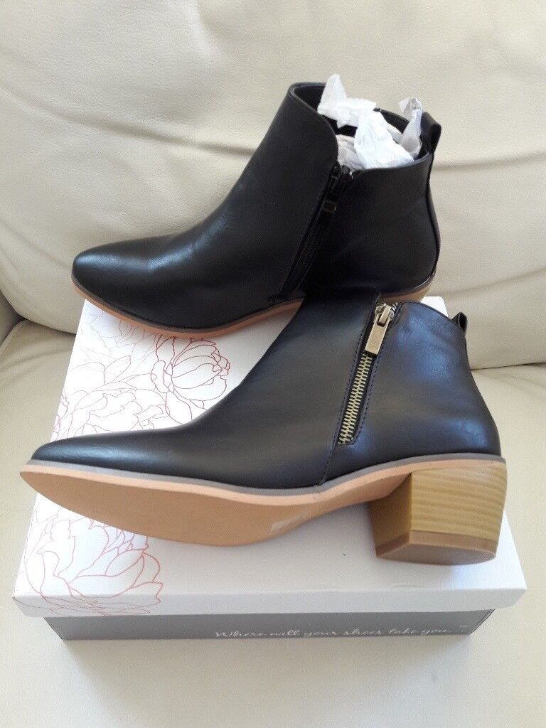 Black leather ankle boots, size 5, brand new