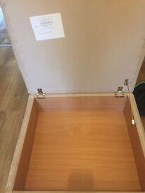 Storage footstool/pouffe