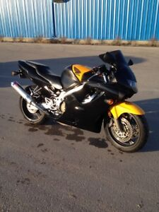 1999 CBR650 + Parts Bike