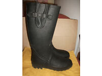 Mens Mountain Warehouse Wellington Boots size 9 worn once