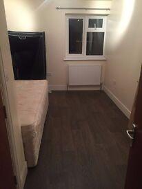 Large En Suite Room(s) available in Refurbished property Hounslow Heston Bills Inc