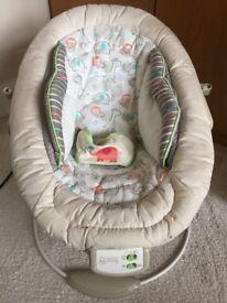 Beige 'Comfort & Harmony' Bouncer chair