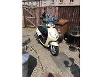 Peugeot 125cc scooter VERY LOW MILES