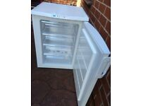 FROST FREE ZANUSSI UNDERCOUNTER FREEZER IN GOOD WORKING CONDITION