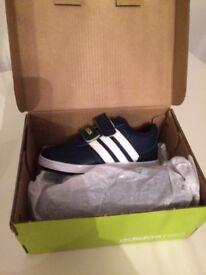 🌟BNIB Adidas Neo 5 1/2 K baby shoes